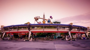 tomorrowland-transit-authority-peoplemover-00